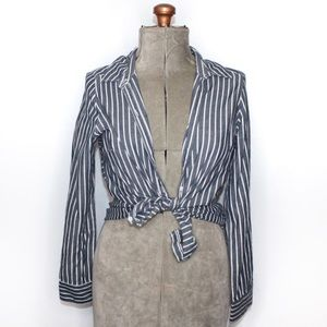🎀3/$30 Lee Blue & White Button Up Shirt Small